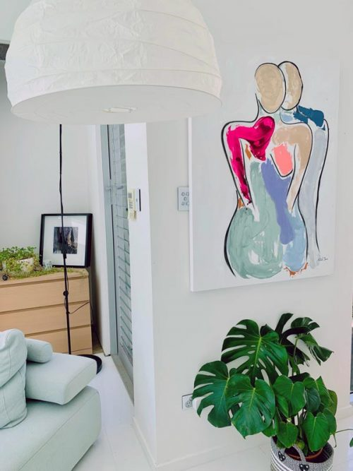 Contemporary-figurative-painting-in-modern-styled-home---bodyline-iv---sarah-jane-artist