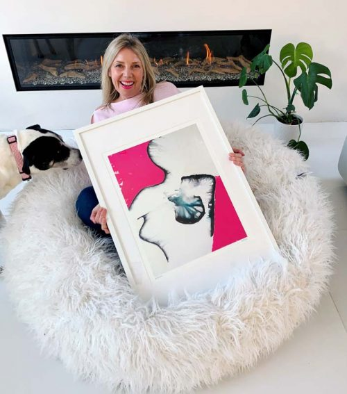 Sarah-Jane-will-donate-20%-of-profits-from-breast-cancer-awareness-print-silhouette-ia-to-McGrath-Foundation