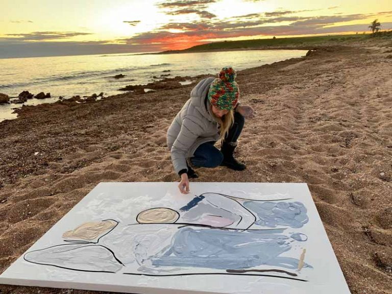 sarah jane painting bodyline vi at south australian beach